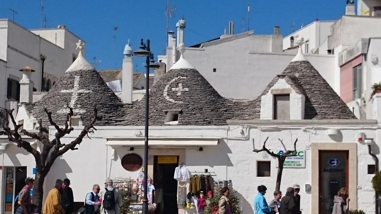 muslimischer-halbmond-trullo Alberobello und die Trulli